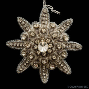 Labyrinth Star Ornament in Metal Grey